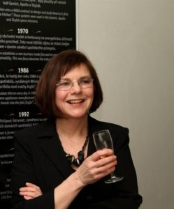 Člen poroty: Nina Provaan Smetanová